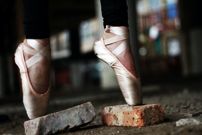 Why I'm dancing with myself: Dancing with myself